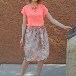 Into the summer! Flower print gathered skirt (pattern)