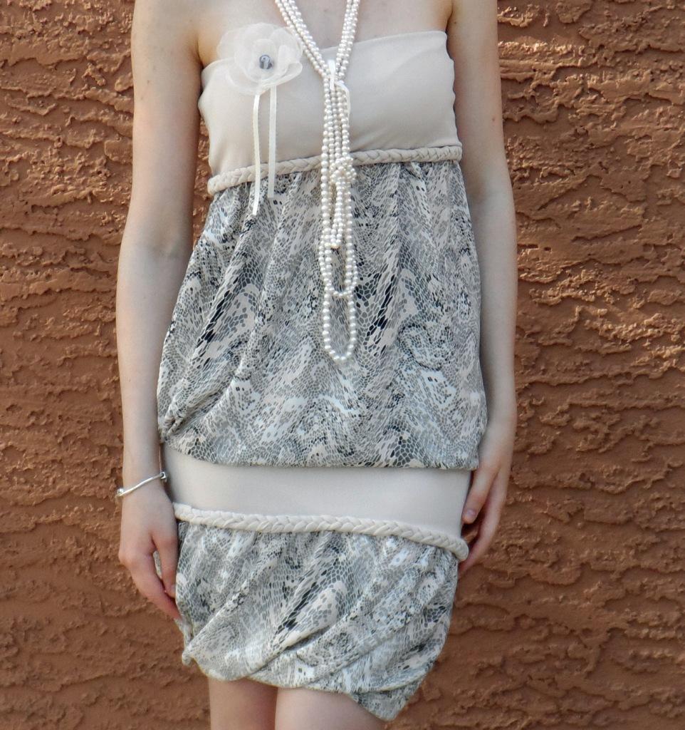 Summer dress, details.