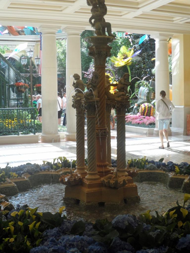 Bellagio gardens - fountain