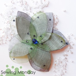 Sewing Monday: organza spring flower brooch