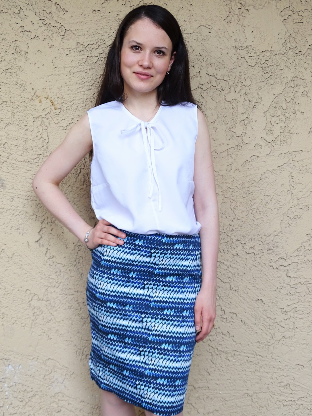 blue pencil skirt solid background