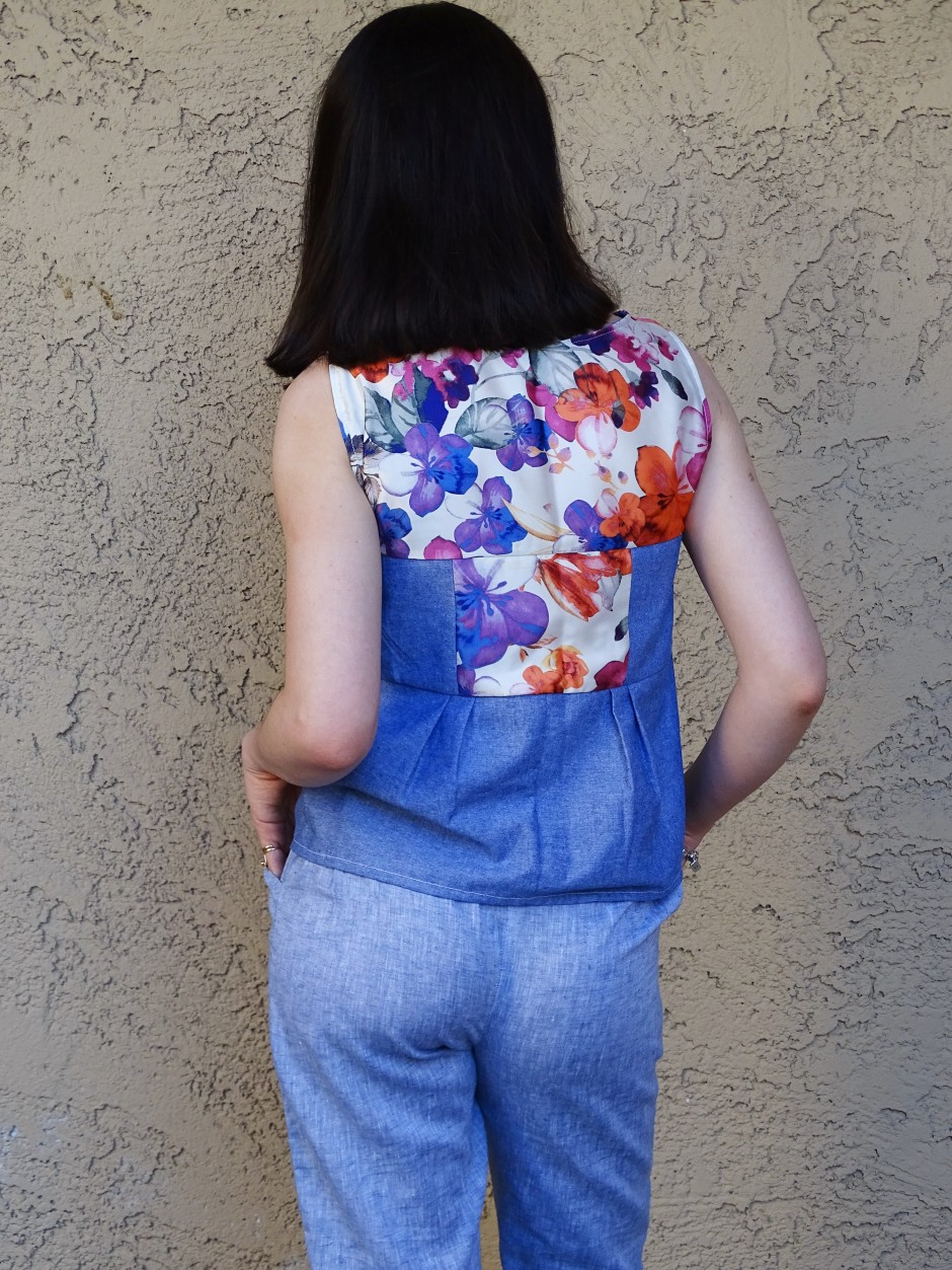 Moji pants in blue linen - back