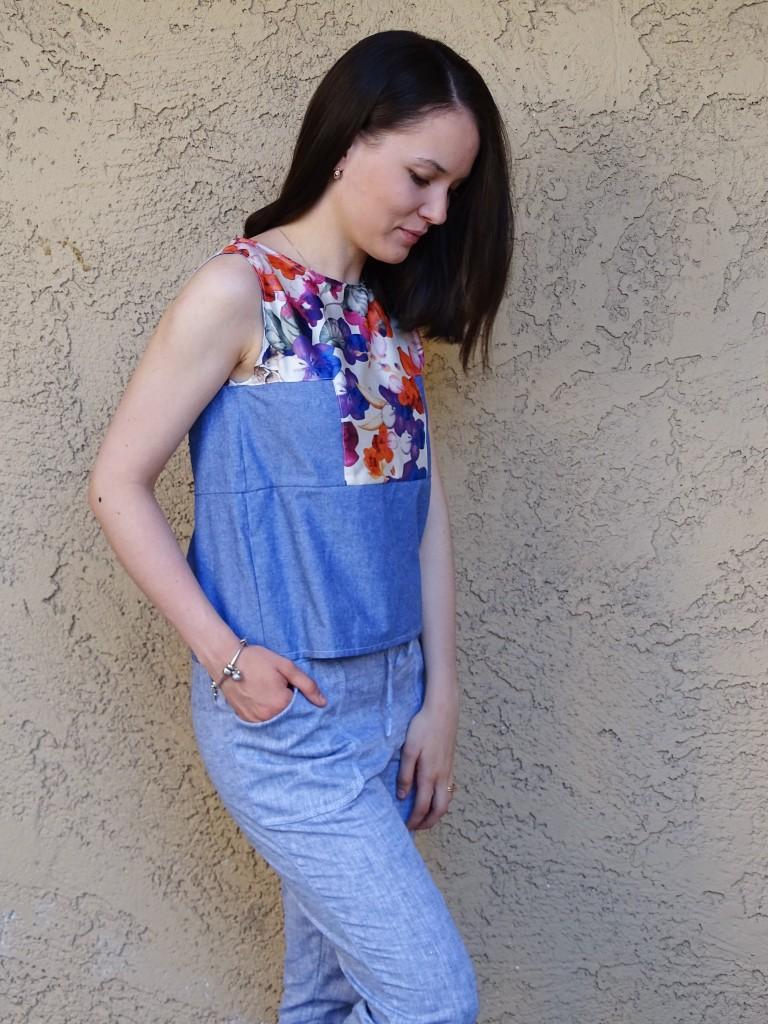 Moji pants in blue linen - side
