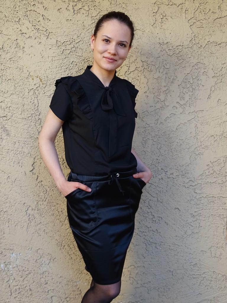 Pendrell blouse - moji skirt front